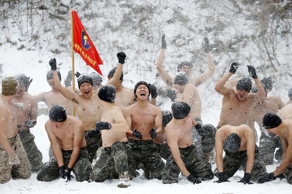 Wspólne ćwiczenia wojskowe Korei Południowej i USA w Pjongczang
