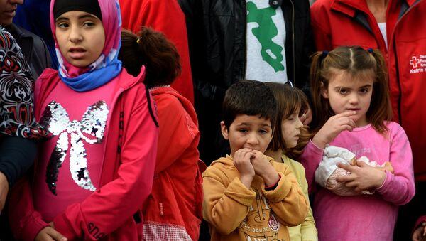 Dzieci migranci - Sputnik Polska