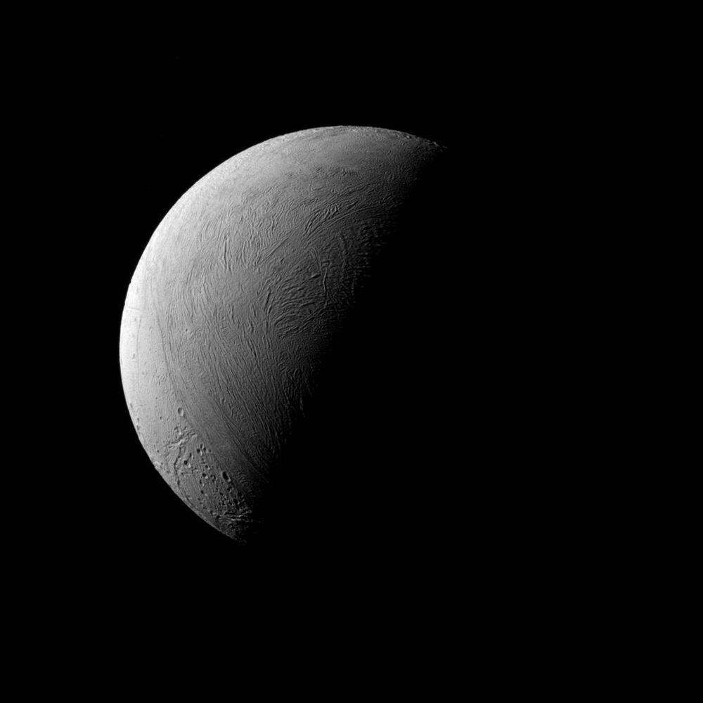 Enceladus – szósty pod względem wielkości naturalny satelita Saturna