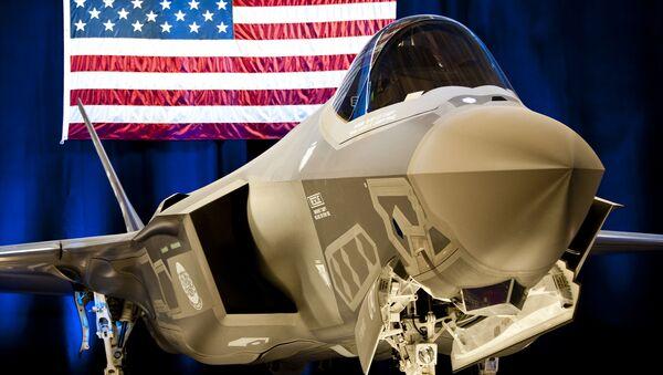 Myśliwiec F-35 w bazie lotniczej w Stanach Zjednoczonych - Sputnik Polska