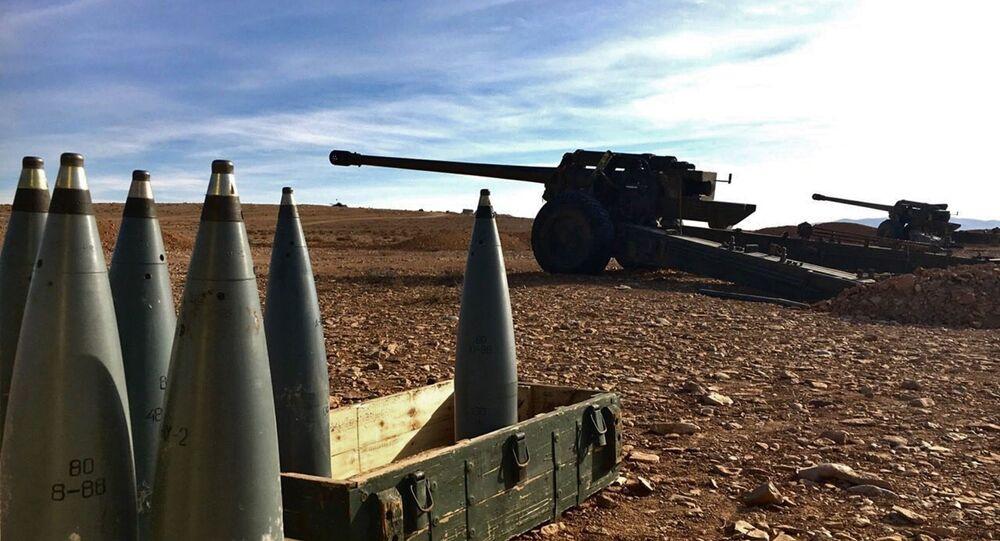Broń artyleryjska i amunicja syryjskich powstańców w chrześcijańskiej miejscowości Sadad w prowincji Homs w Syrii