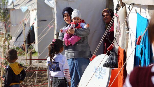 Syryjskich uchodźców w obozie tymczasowym w Turcji - Sputnik Polska