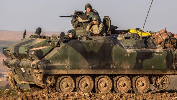 Tureccy żołnierze w czołgu w syryjskiej prowincji Aleppo - Sputnik Polska