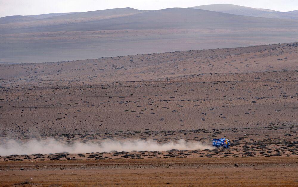 """Ciężarówka """"KAMAZ-Master"""" na rajdzie Dakar"""