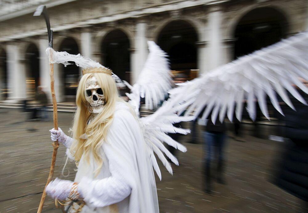 Uczestnik karnawału w Wenecji