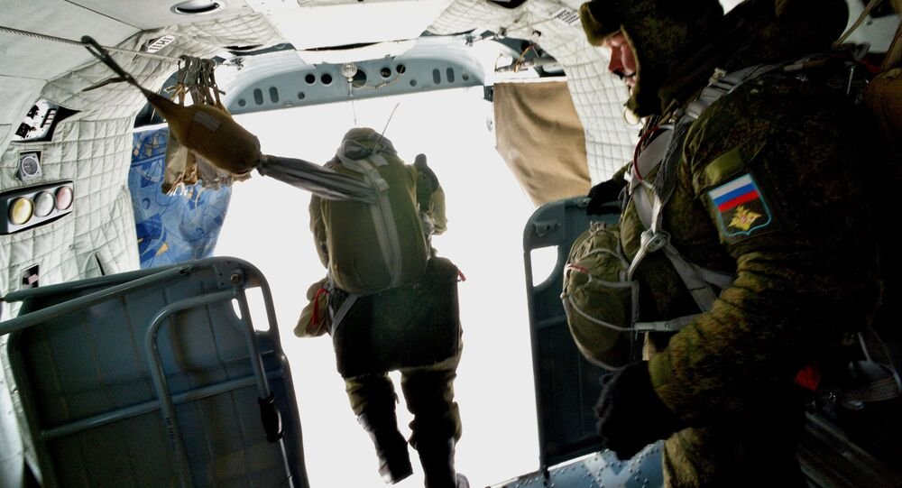 Desantowcy podczas ćwiczeń wojskowych