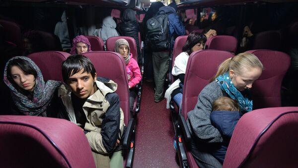 Obywateli Rosji, Ukriny, Biaorusi, Polski ewakuowano z Jemenu na pokładzie samolotu rosyjskiego - Sputnik Polska