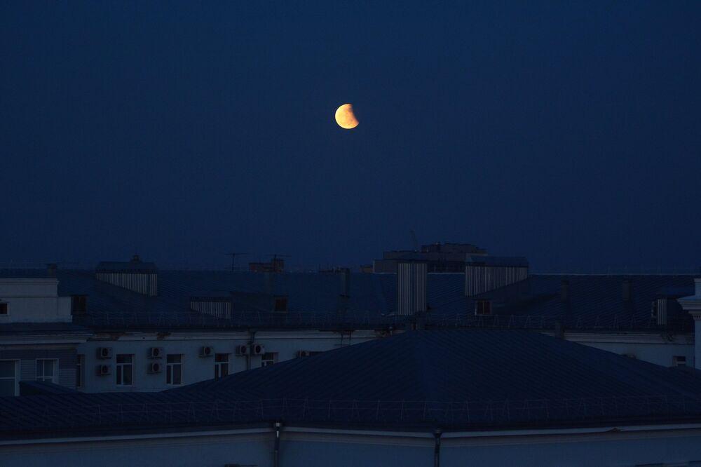 Zaćmienie Księżyca 4 kwietnia 2015, Barnauł, Rosja