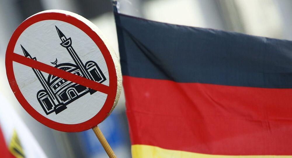 Manifestacja ruchu społecznego Pegida w Niemczech