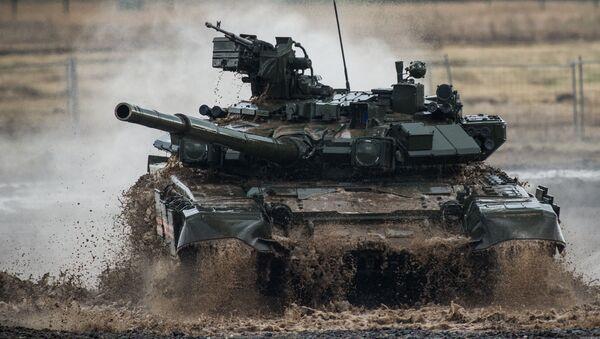 Czołg Т-90 na III międzynarodowym forum Technologie w budowie maszyn — 2014 w Żukowskim - Sputnik Polska