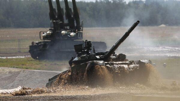 Czołg T-90 na Drugim Międzynarodowym Forum Technologie w budowie maszyn-2012 - Sputnik Polska