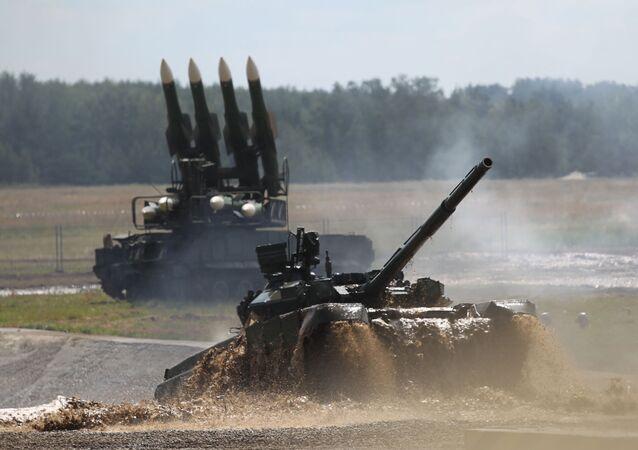 Czołg T-90 na Drugim Międzynarodowym Forum Technologie w budowie maszyn-2012
