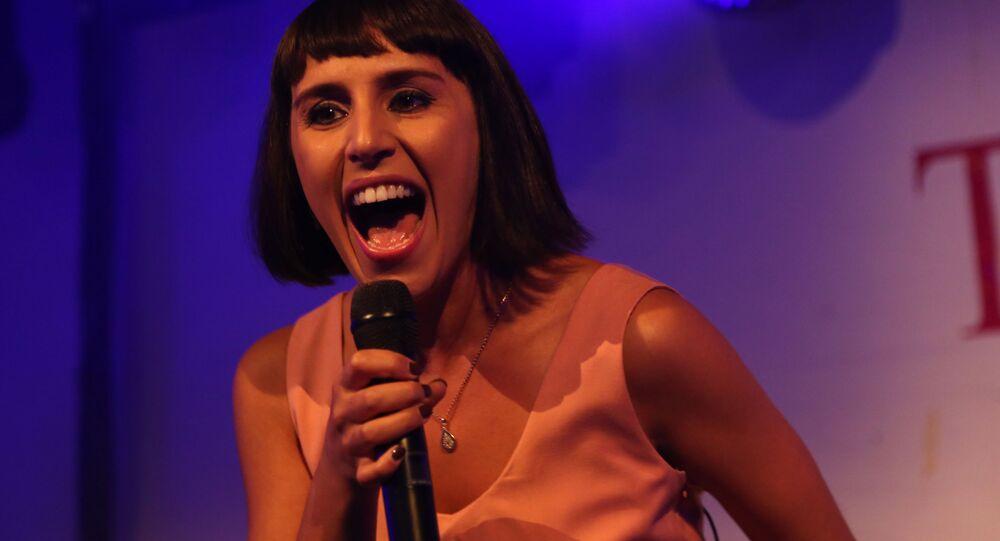 Piosenkarka Jamaal występująca na imprezie w Bosco Club