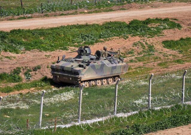 Turecka armia na granicy z Syrią