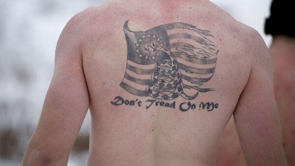 Tatuaż na plechach żołnierza piechoty morskiej USA - Sputnik Polska