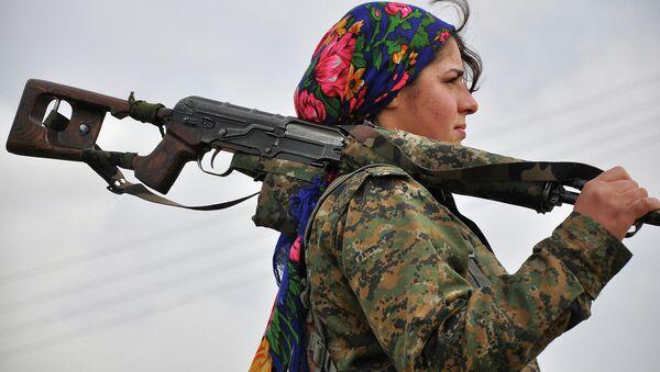 YPJ (Yekineyen Parastina Jin, czyli Kobiece Oddziały Obrony) to żeńskie oddziały samoobrony syryjskich Kurdów - Sputnik Polska