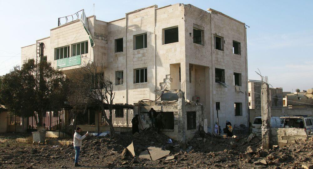 Uszkodzony w wyniku nalotu szpital w mieście Aazaz, Syria