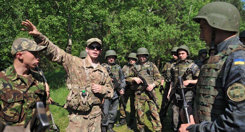 Ukraińscy i amerykańscy wojskowi podczas wspólnych ćwiczeń Fearless Guardian-2015