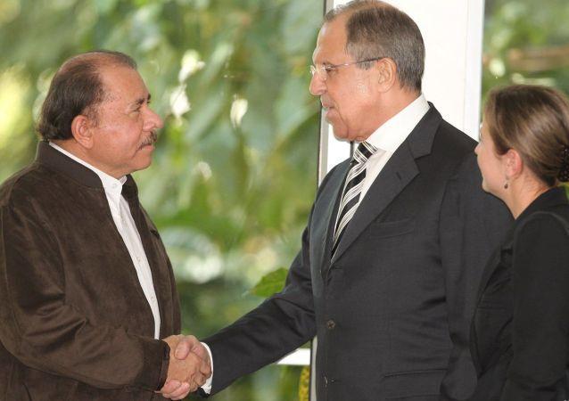 Prezydent Nikaragui Daniel Ortega Saavedra i minister spraw zagranicznych Rosji Siergiej Ławrow