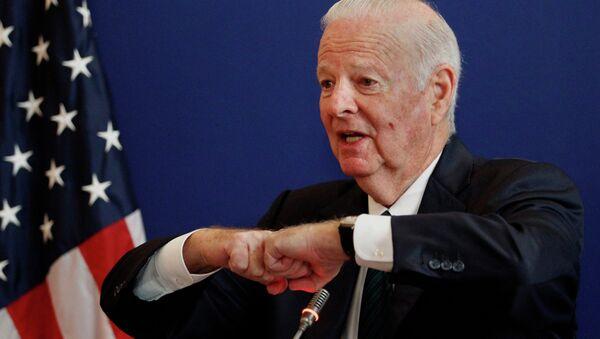 Były sekretarz stanu USA James Baker - Sputnik Polska