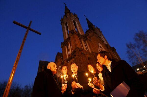 Obchody Wielkanocne w kościele katolickim w Krasnojarsku - Sputnik Polska