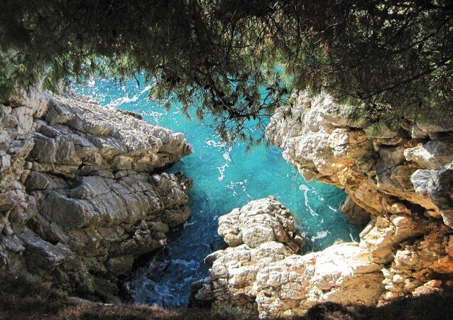 Jaskinia Sveti Stefan w Czarnogórze