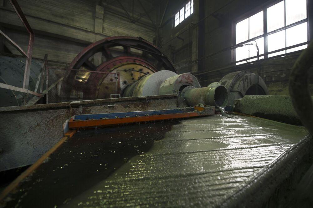 W centralnej fabryce Bieriezowskiej kopalni złota w obwodzie swierdłowskim