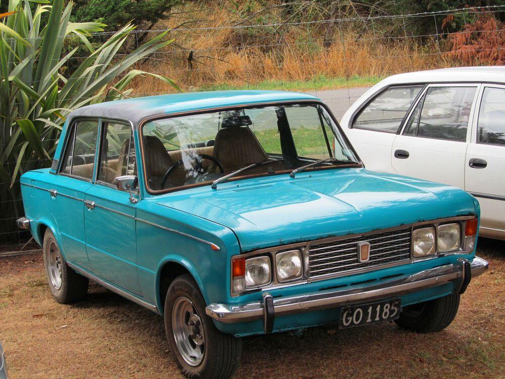 Włoski samochód Fiat 125