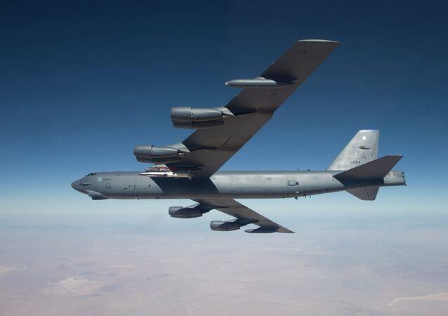 Amerykański bombowiec strategiczny dalekiego zasięgu B-52 Stratofortress
