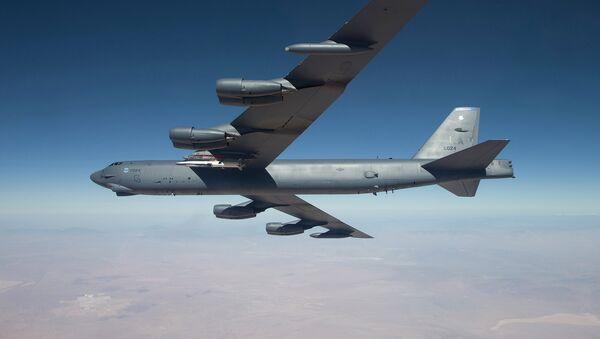 Amerykański bombowiec strategiczny dalekiego zasięgu B-52 Stratofortress - Sputnik Polska
