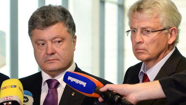 Prezydent Ukrainy Petro Poroszenko i deputowany Bundestagu Karl-Georg Wellmann - Sputnik Polska