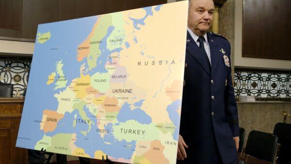 Dowódca wojsk NATO w Europie generał Philip Breedlove - Sputnik Polska
