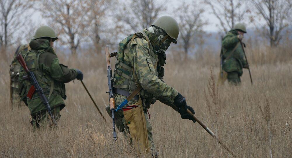 Rozminowywanie terenu w pobliżu Donbasu