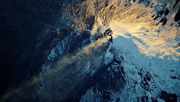 Zdjęcie wulkanu Etna, zrobione z kosmosu - Sputnik Polska