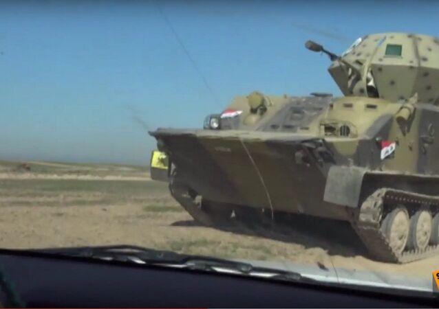 Armia Iraku walczy przeciwko PI