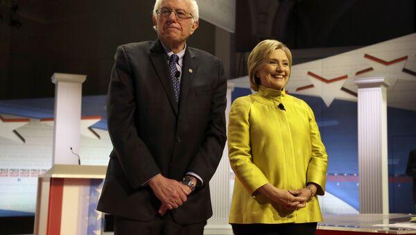 Bernie Sanders i Hillary Clinton - Sputnik Polska