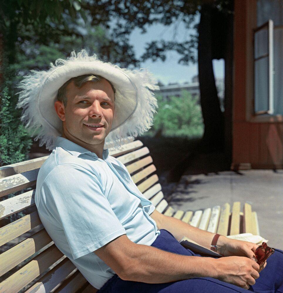 Bohater Związku Radzieckiego Jurij Gagarin na urlopi