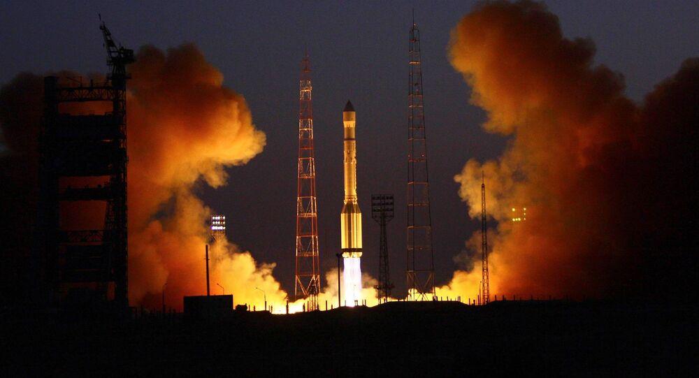 Start rakiety nośnej Proton-M z kosmodromu Bajkonur