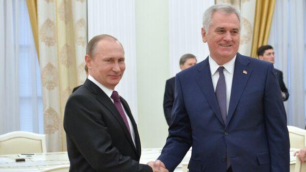 Prezydent Rosji Władimir Putin i prezydent Serbii Tomislav Nikolic - Sputnik Polska
