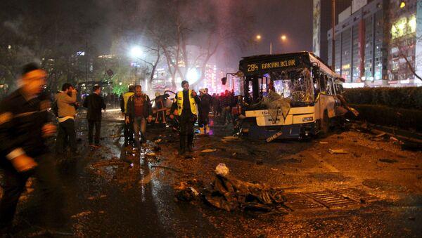 Ratownicy na miejscu wybuchu w Ankarze - Sputnik Polska