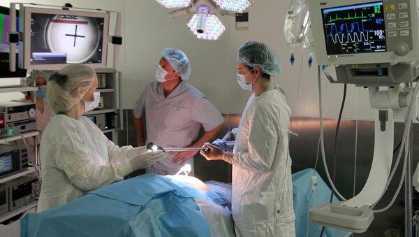 Operację przeszczepu głowy obywatelowi FR przeprowadzi chirurg z Włoch - Sputnik Polska