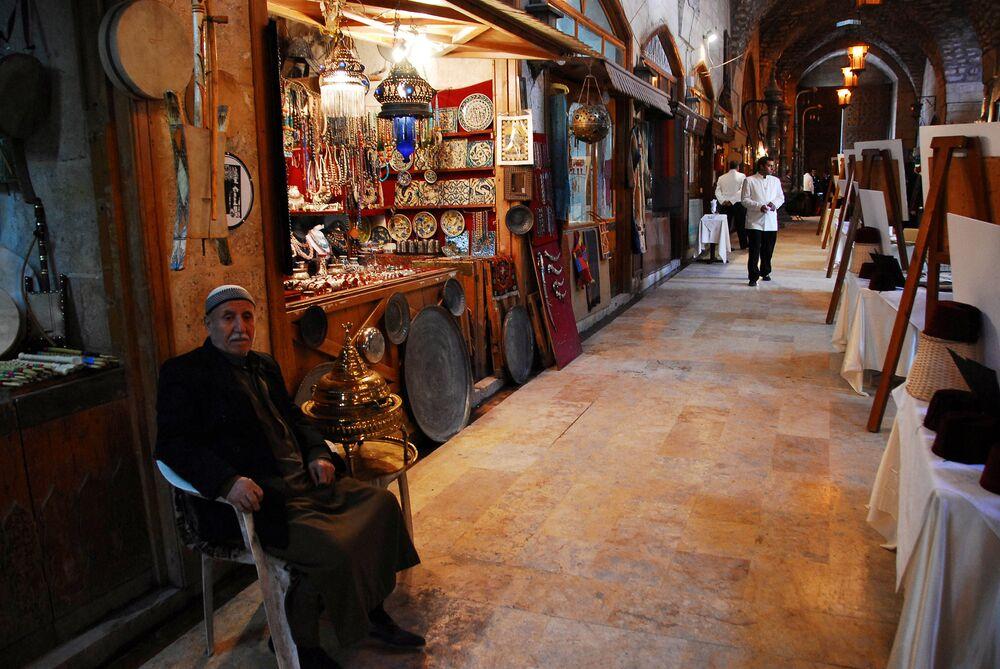 Bazar w Aleppo, 2007 r.