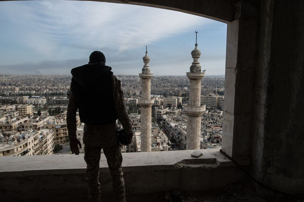 Żołnierz syryjskiej arabskiej armii w Aleppo