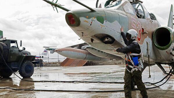 Przygotowanie do wylotu samolotów Sił Powietrzno-Kosmicznych Rosji z bazy lotniczej Hmeymim w Syrii - Sputnik Polska