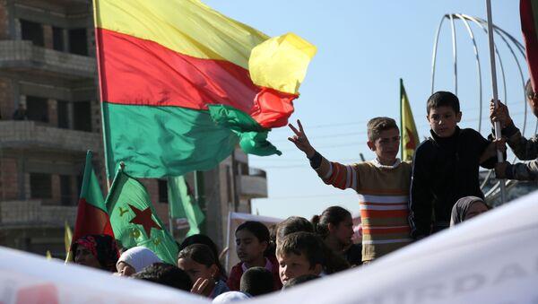 Manifestacja protestu syryjskich Kurdów w Kemiszli - Sputnik Polska