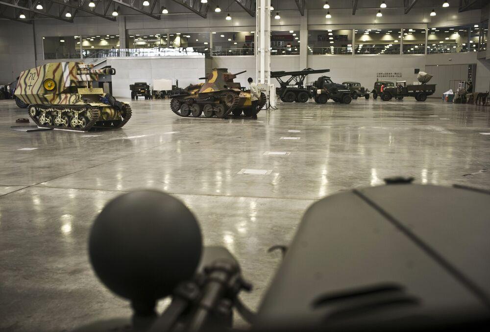 Przygotowania do otwarcia wystawy sprzętu wojskowego Silniki Wojny