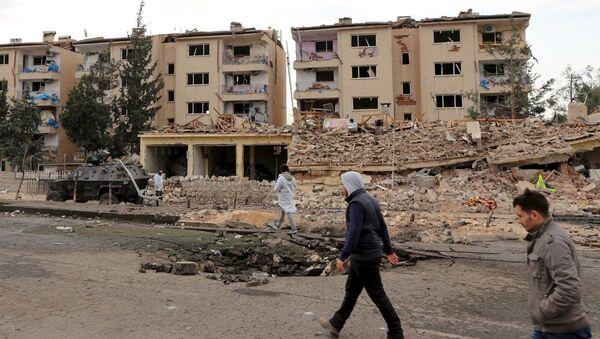 Biegli na miejscu wybuchu samochodu w mieście Nusaybin, Turcja - Sputnik Polska