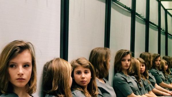 Użytkowników Instagrama zaintrygowało zdjęcie dziewczyn, których nie można policzyć - Sputnik Polska