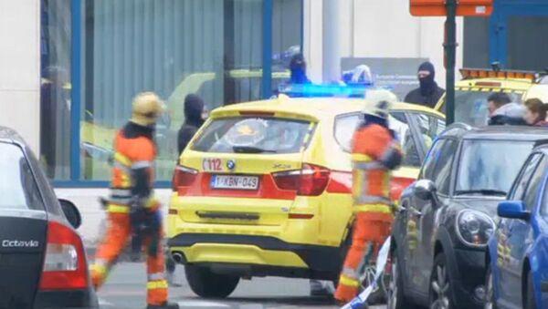 Ratownicy na miejscu wybuchu w pobliżu metra w Brukseli - Sputnik Polska
