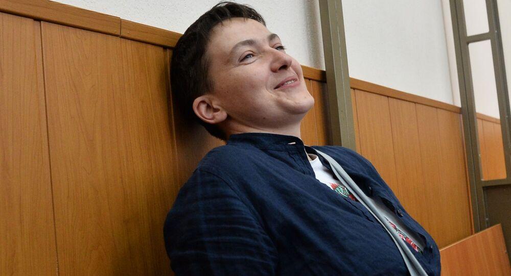 Obywatelka Ukrainy Nadieżda Sawczenko podczas ogłoszenia wyroku w jej sprawie
